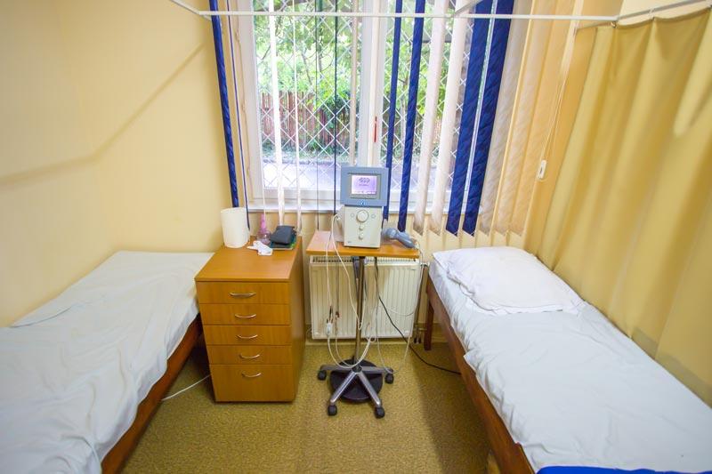 Masa de masaj si aparatura medicala
